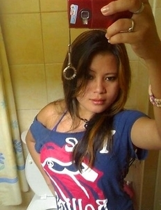 Compilation of an amateur Filipina hottie posing with her BF