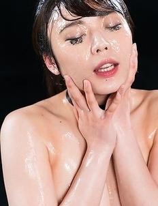 Yui Kawagoe Sticky Bukkake Facial