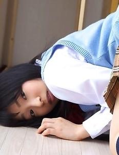 Kotone Moriyama shows behind under uniform short skirt