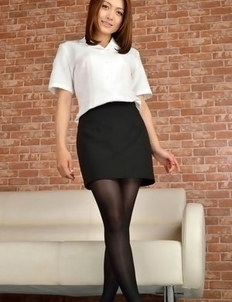 Rina Itoh on heels and sexy office outfit is ready for job