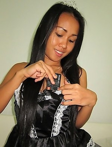 Thai Princess loves training slaves to obedient and down at her feet where you belong.