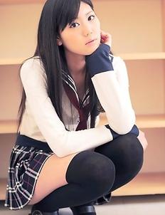 Saemi Shinohara looks amazing in school uniform and socks
