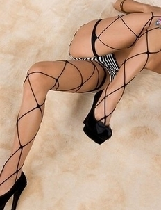 Skinny JAV babe Nanami Sugisaki posing with her legs high up in the air