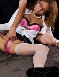 Nerdy babe Nanami Sugisaki spreads her stocking-clad legs to get fingered HARD