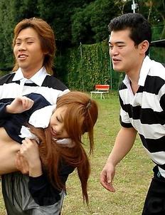 An Umemiya gets group sex outdoor