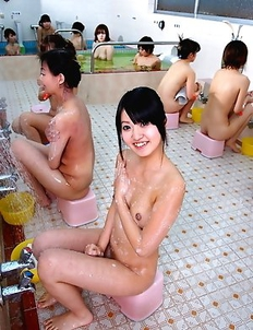 Sweet gal Asakura Kotomi shows off