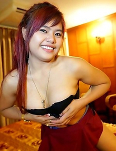 19 year old Thai babe Mam pleases white tourist in hotel suite