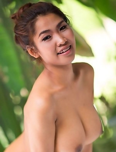 Busty Asian Tittiporn take a bath
