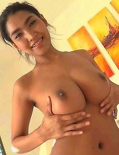 Big Tits Thailand Babe Tittiporn