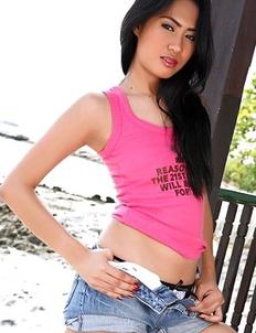 Asian girl Varinda Pan stripping and posing in outdoors