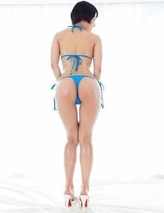 Teenage tomboy Ai Mukai takes off her bikini to masturbate and show feet