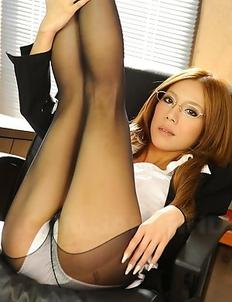 Ramu Nagatsuki posing in lingerie