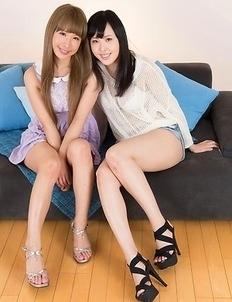 Natsuki Yokoyama and Natsume Hotsuki sucking on each other's sexy toes
