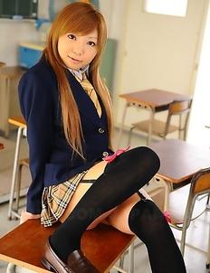 Rui Hazuki gets licked at school