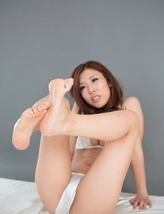 Rin Miura flashes pussy, sucks on her own toes, poses in a sexy costume, gives a FJ