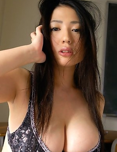 Nonami Takizawa in short skirt shows immense tits in bra