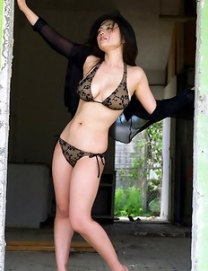 Nonami Takizawa with huge boobs is so erotic in lingerie