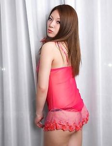 Manami Ichikawa shows her sexiness