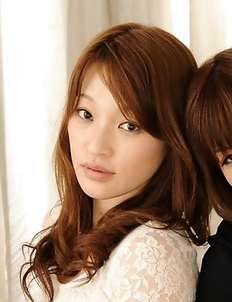 Yukina and Kurara posing together