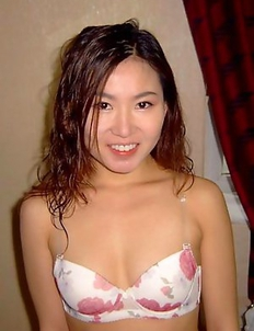 Thai chick teasing her boyfriend on cam