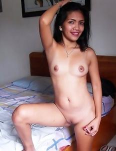 Naked Asian babe Rosalie