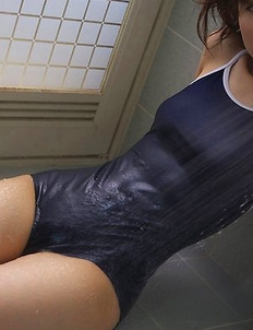 Cocoro Amachi spoils hot body with shower over spandex suit