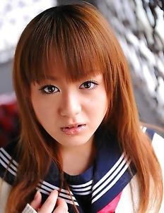 Rui Natsukawa showing off her body
