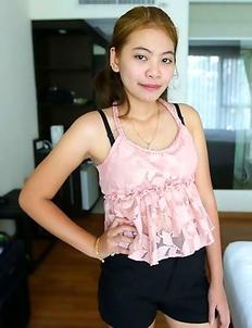 Cute Thai teenage mom