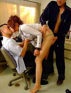 Teacher Yuuno Hoshi swallowing cum