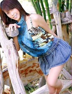 See the amazing Chan Ching Ming as she rocks a jean skirt and she can't wait to pull it up.