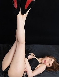 Aya Kisaki shows her pale ass and gets her feet covered in fresh semen