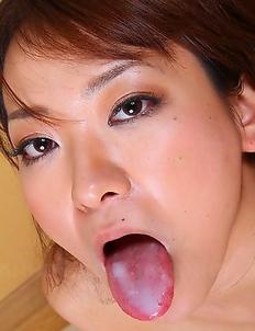 Sexy Erika Hiramatsu gets creamed