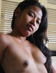 Filipina babe Rose