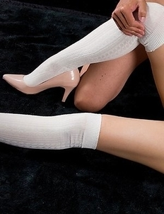 Karina Oshima wearing a pantyhose as she masturbates, she also gets thigh-fucked